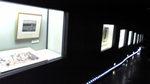 展示窓のある廊下.jpg